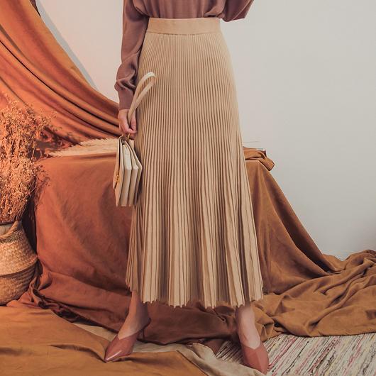 ONNI最愛彈力直坑條傘擺波浪魚尾針織裙