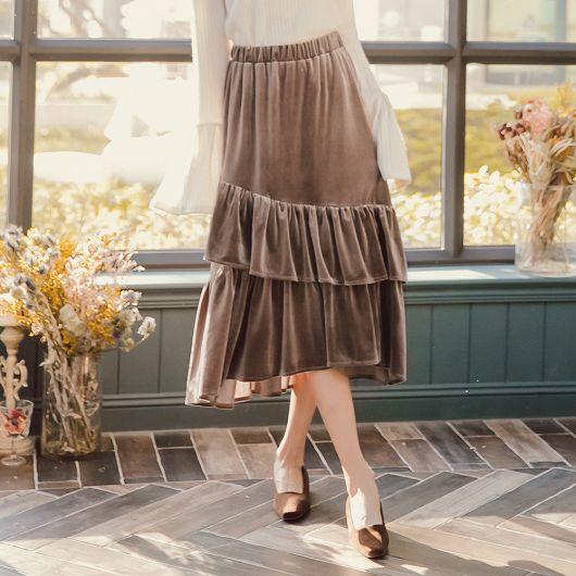 輕甜美人絲絨質感荷葉邊蛋糕長裙