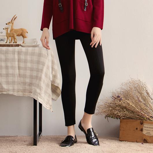 率性顯瘦修身皮革拼接設計長褲