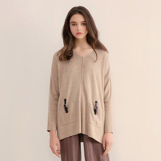 高質感Angora兔毛皮革裝飾雙口袋設計針織上衣