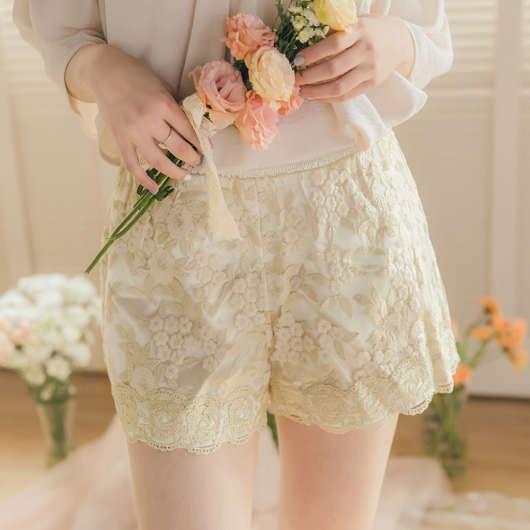 YOCO-宮廷風質感花朵刺繡短褲