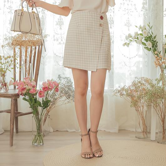 YOCO-甜美芭比不對稱下襬格紋A字裙