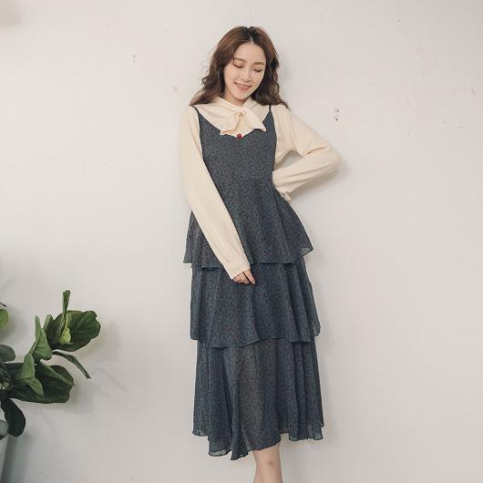 YOCO-柔美飄逸多色層次波浪裙襬細肩帶洋裝