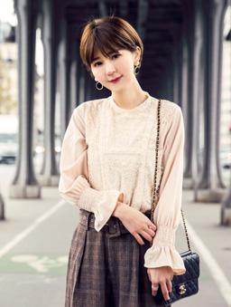 安琪聯名法式蕾絲質感荷葉袖上衣-杏