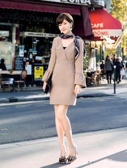 安琪聯名香榭巴黎V領喇叭袖洋裝-棕