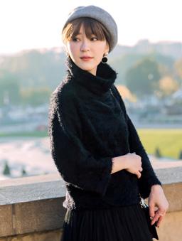 安琪聯名巴黎冬日毛海高領寬袖毛衣-黑