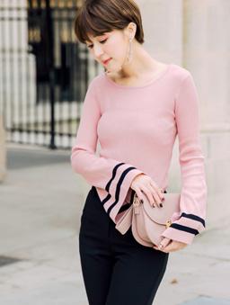 安琪聯名巴黎美學多色喇叭袖上衣-粉色