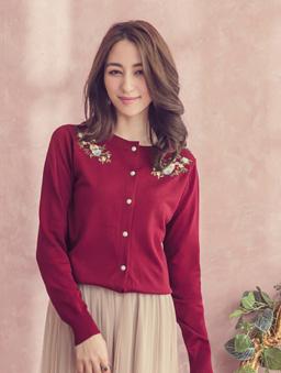 YOCO-優雅姐姐花朵刺繡珍珠釦多色針織外套-紅