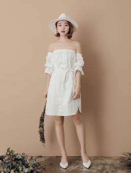 平口一字領鬆緊泡泡袖洋裝-白色
