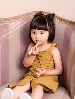酷琪琪聯名甜美氣質蝴蝶結細肩帶洋裝-童-黃