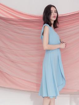 優雅氣質V領無袖多色不規則洋裝-藍灰