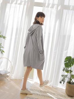 tokichoi -品牌嚴選雙口袋連帽澎袖罩衫外套-灰
