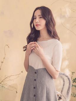 YOCO-品牌嚴選親膚舒適多色高含棉木耳捲邊短袖上衣-米白