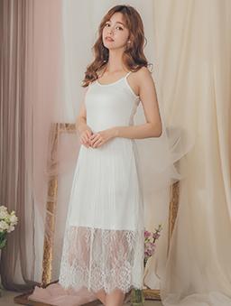 YOCO-高彈力細肩帶拼接蕾絲裙襬內搭洋裝-白色