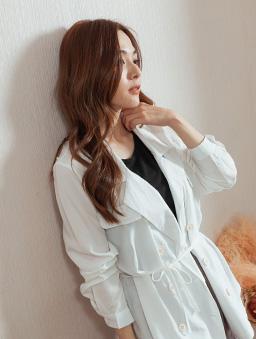 微甜好感V領雙排釦附綁帶外套/上衣-白色