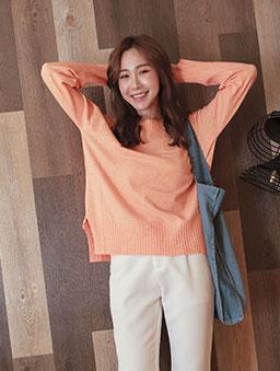 tokichoi-粉彩棉花糖柔軟圓領側開衩多色針織毛衣-橘