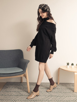 性感心機露單肩長版針織洋裝-黑