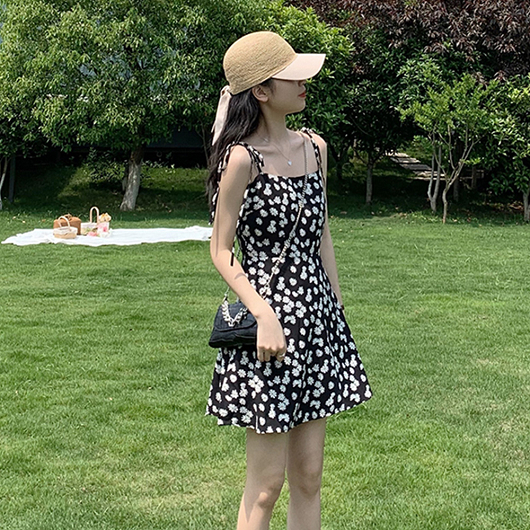 夏日豔陽小雛菊綁帶背心洋裝