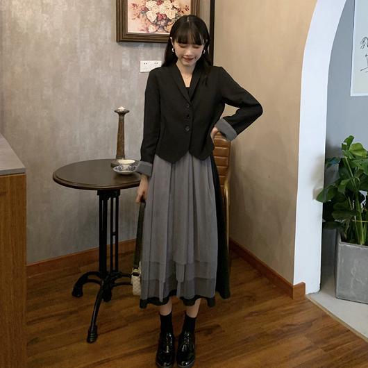 黑灰拼接層次感背心洋裝