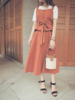 氣質簡約V領顯腰身可調式細肩帶洋裝-橘