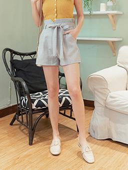 時尚重點多色高腰後鬆緊附綁帶花苞短褲-淺灰