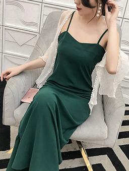 性感登場V領下擺開衩細肩帶洋裝-綠
