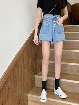 甜心必備高腰排釦雙口袋牛仔短褲-藍