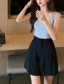 率性顯瘦打褶韓版西裝短褲-黑
