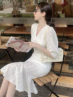 初戀情人法式蕾絲魚尾洋裝-白色