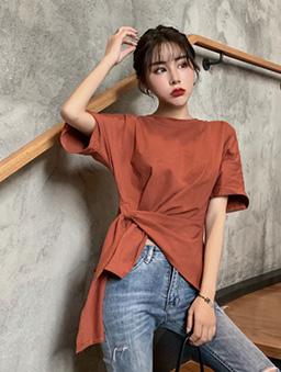 個性時尚下擺繫帶扭結上衣-磚紅