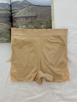魔鬼小細節多色蕾絲舒適棉質安全褲-杏