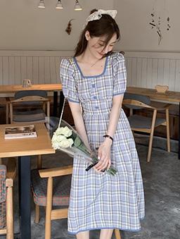 野餐女孩格紋方領後露腰綁帶洋裝-藍