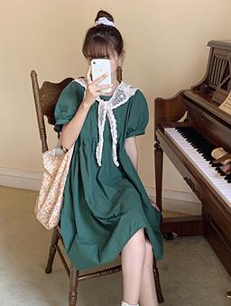 俏皮女孩圓弧剪裁寬鬆版娃娃洋裝-綠