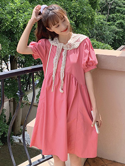 俏皮女孩圓弧剪裁寬鬆版娃娃洋裝-粉色