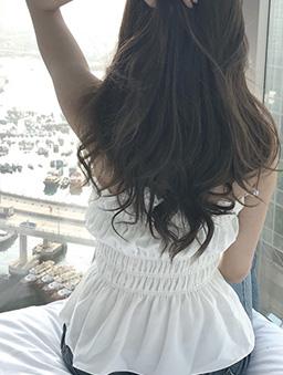 美好瞬間平口鬆緊收腰荷葉上衣-白色