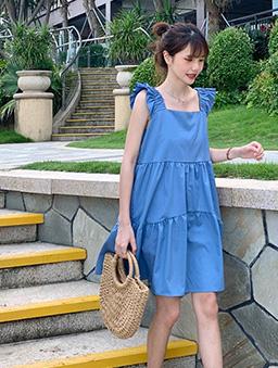 盛夏祭典多色層次感荷葉肩帶洋裝-藍