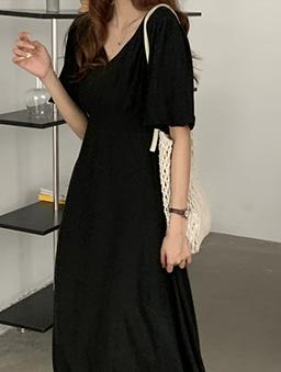 形象加分氣質高腰剪裁澎袖長洋裝-黑