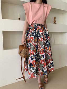 絢爛花朵排釦傘襬長裙-紅