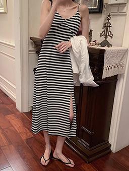 多色側開衩羅紋吊帶洋裝-黑白