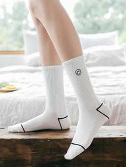 微笑符號中筒襪-白色