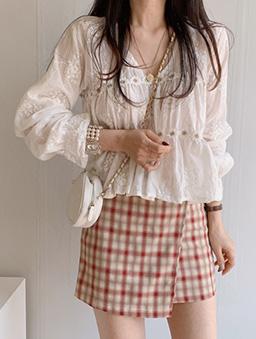 溫柔甜美刺繡花朵上衣-白色