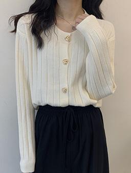 復古愛心金釦針織開襟外套-米白