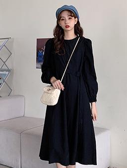 簡約單側扣環設計洋裝-黑