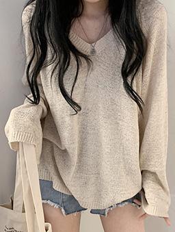 鬆軟V領薄針織上衣-杏