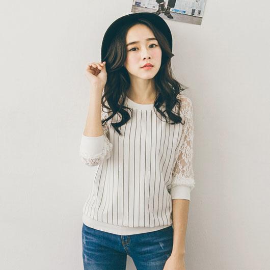 條紋蕾絲長袖拼接T恤