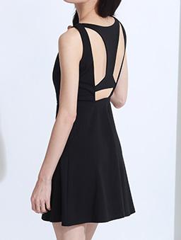 性感秘密背部交叉設計無袖洋裝-黑色