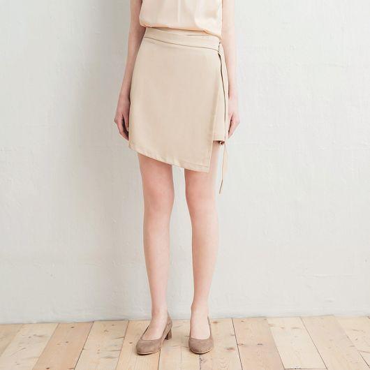 前蓋片綁帶短裙