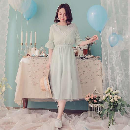 YOCO-氣質馬卡龍花蕾絲拼接點點網紗洋裝