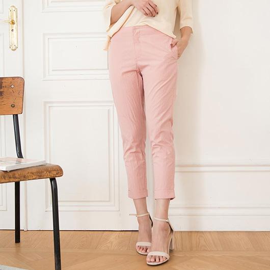 KODZ-俐落知性素面皺褶感紋理直筒褲
