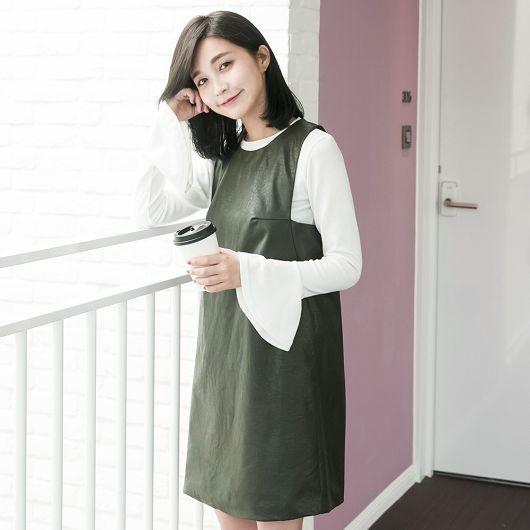 極簡仿皮革連身洋裝